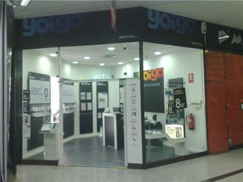 Tienda de Yoigo en el centro comercial Neptuno de Granada