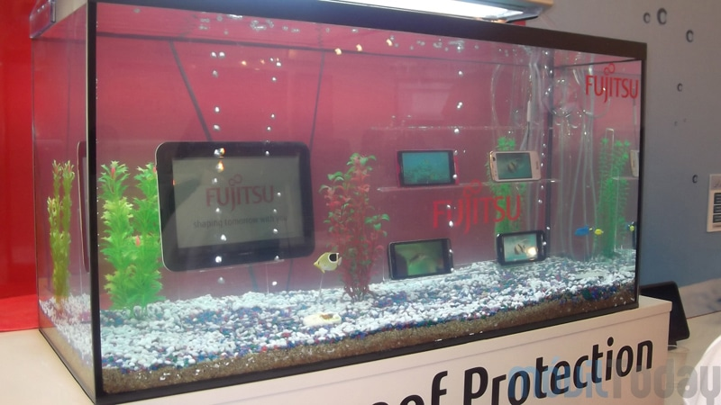http://moviltoday.com/wp-content/uploads/2012/03/Dispositivos-m%C3%B3viles-sumergibles-de-Fujitsu-2.jpg